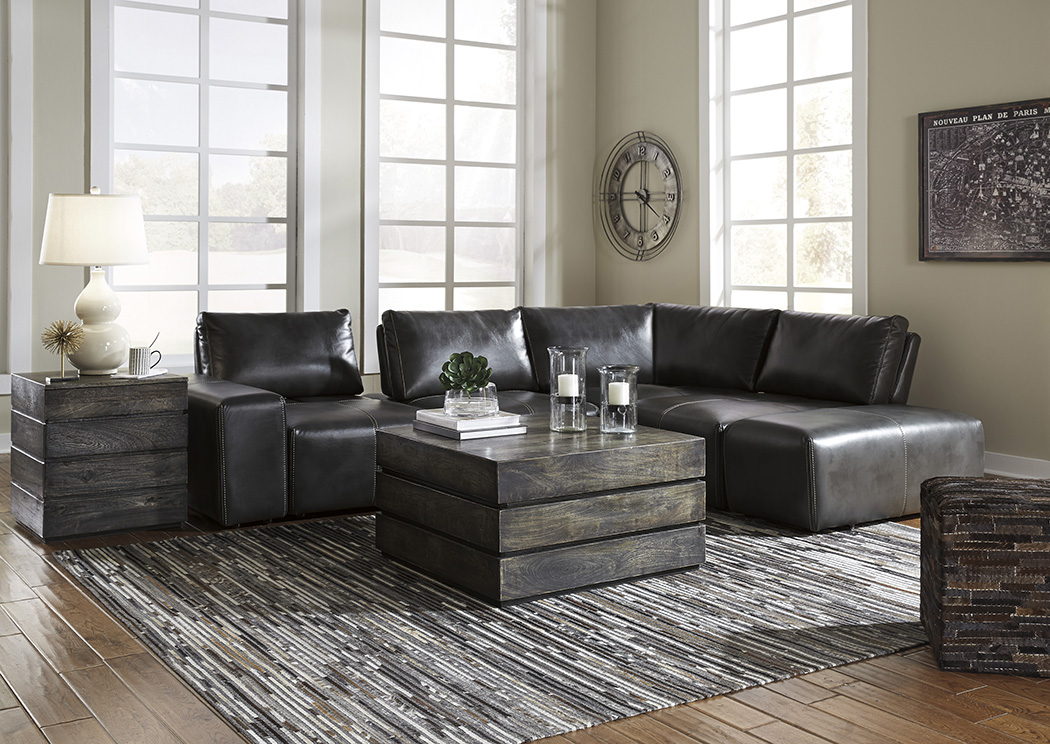 Cliffoney Gray Sectional,Signature Design By Ashley