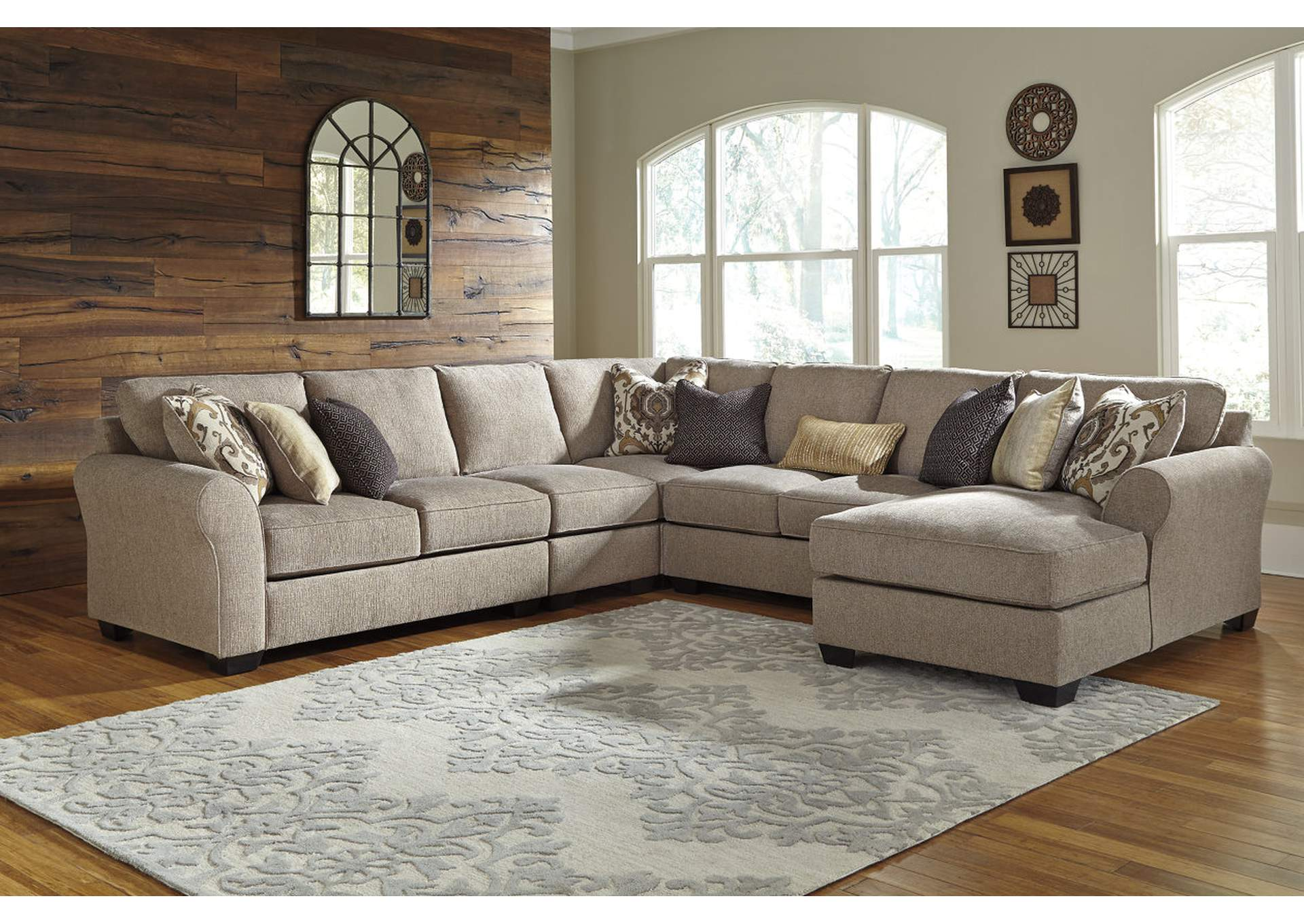 Pantomine Driftwood Extended Sectional w/Right Facing Corner Chaise,ABF Benchcraft