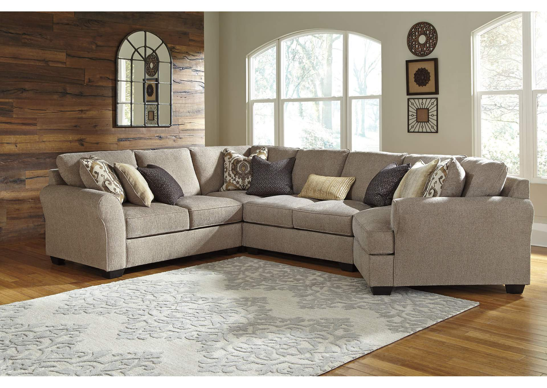 Pantomine Driftwood Sectional w/Right Facing Cuddler,ABF Benchcraft