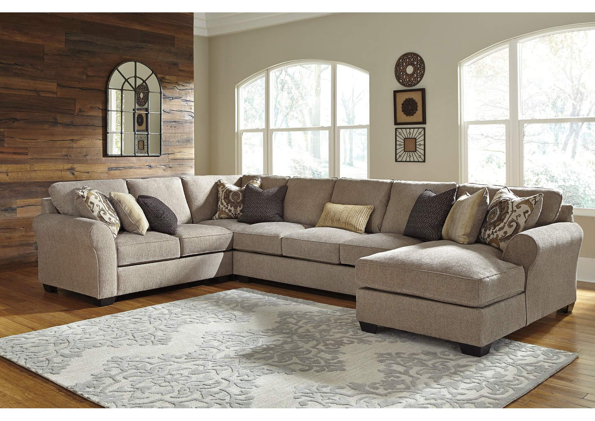 Pantomine Driftwood Sectional w/Right Facing Corner Chaise,ABF Benchcraft