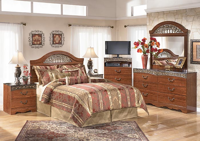 Fairbrooks Estate Queen Panel Headboard w/Dresser, Mirror & Drawer Chest,Signature Design By Ashley