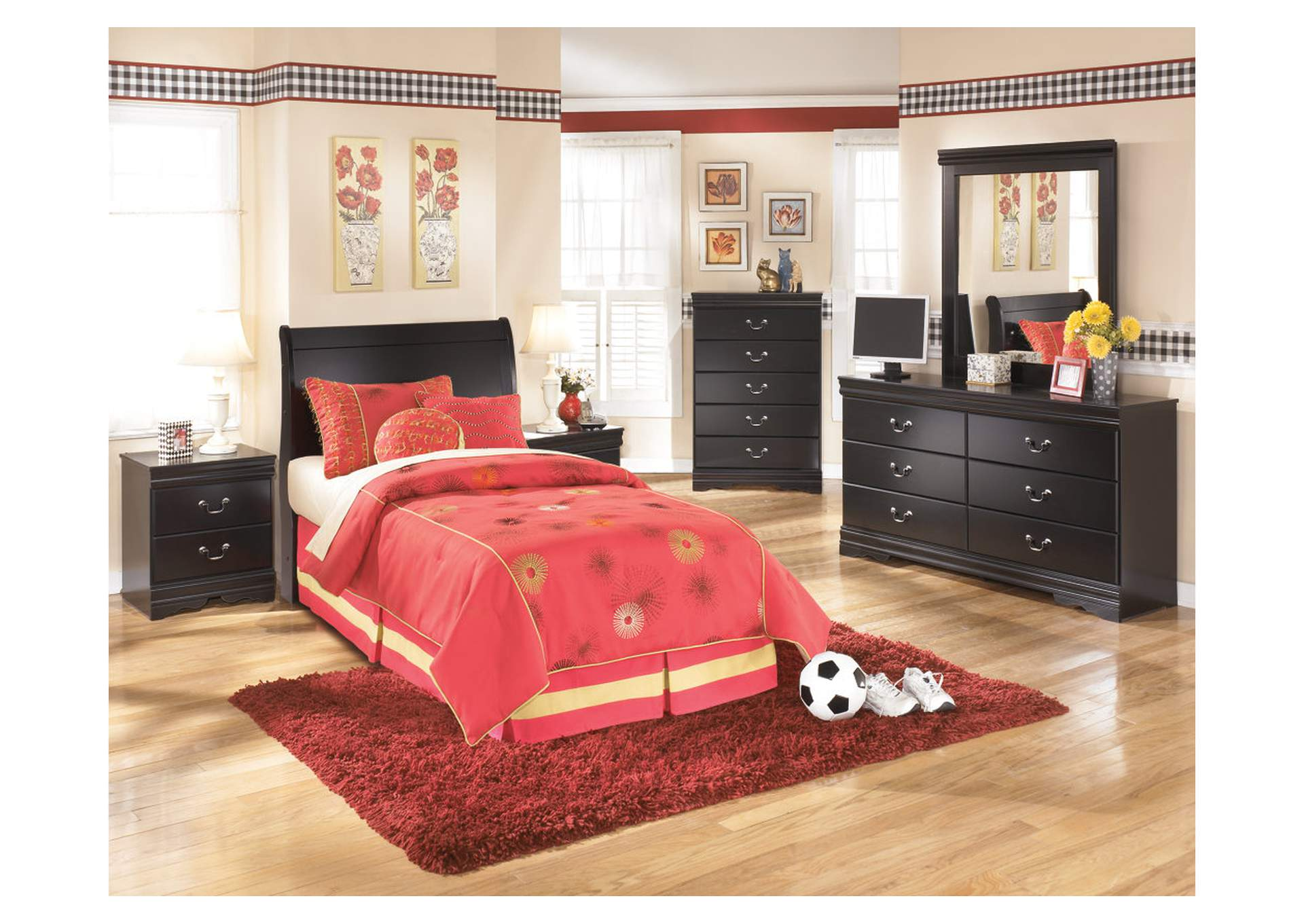 Huey Vineyard Full Headboard w/Dresser, Mirror, Drawer Chest & Nightstand,Signature Design By Ashley