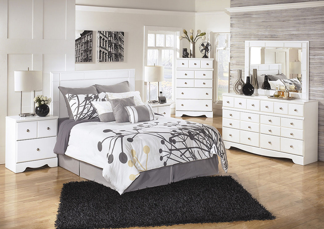 Weeki Queen/Full Panel Headboard w/Dresser, Mirror & Nightstand,Signature Design By Ashley