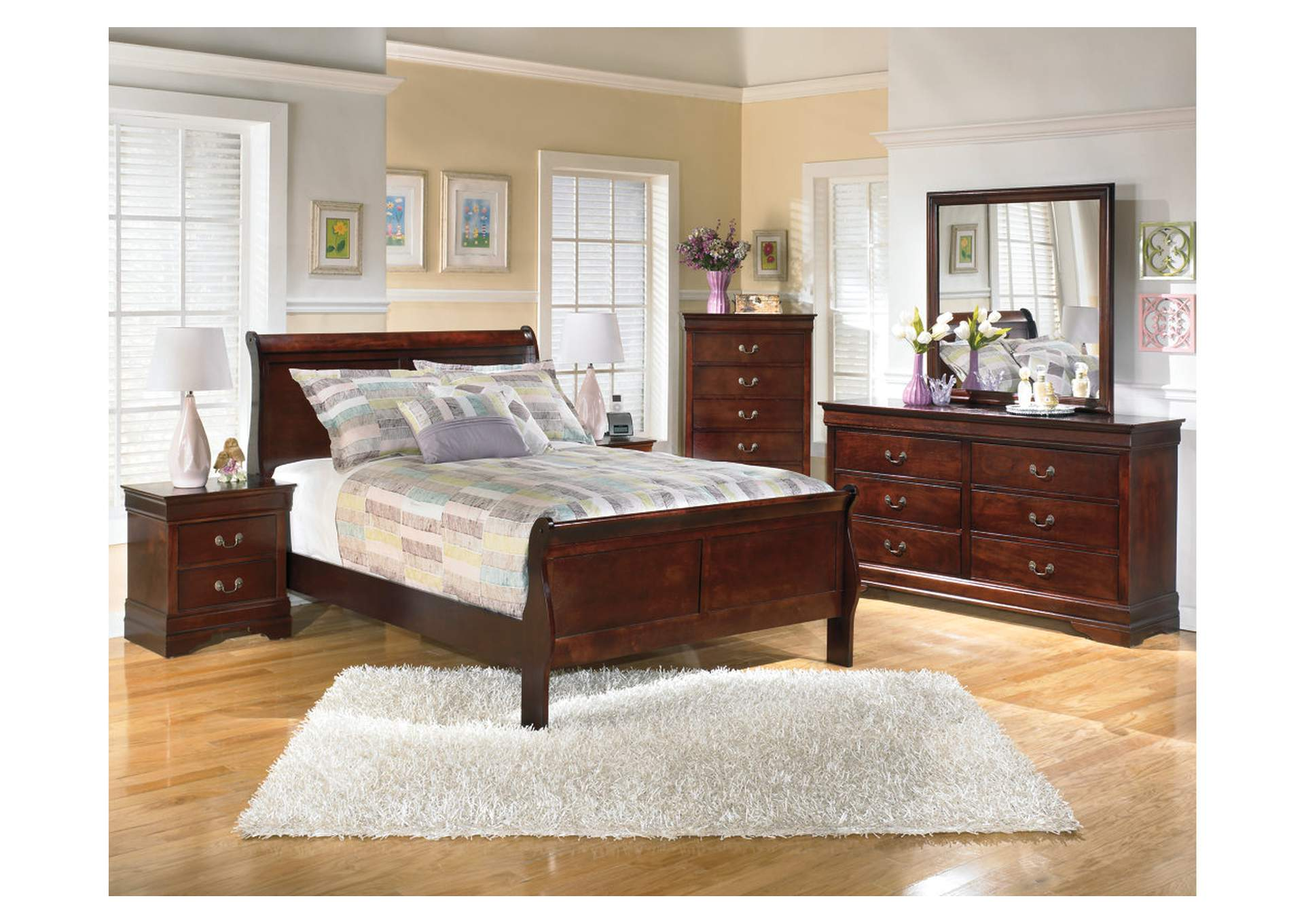 Alisdair Full Sleigh Bed w/Dresser, Mirror, Drawer Chest & 2 Nightstands,Signature Design By Ashley
