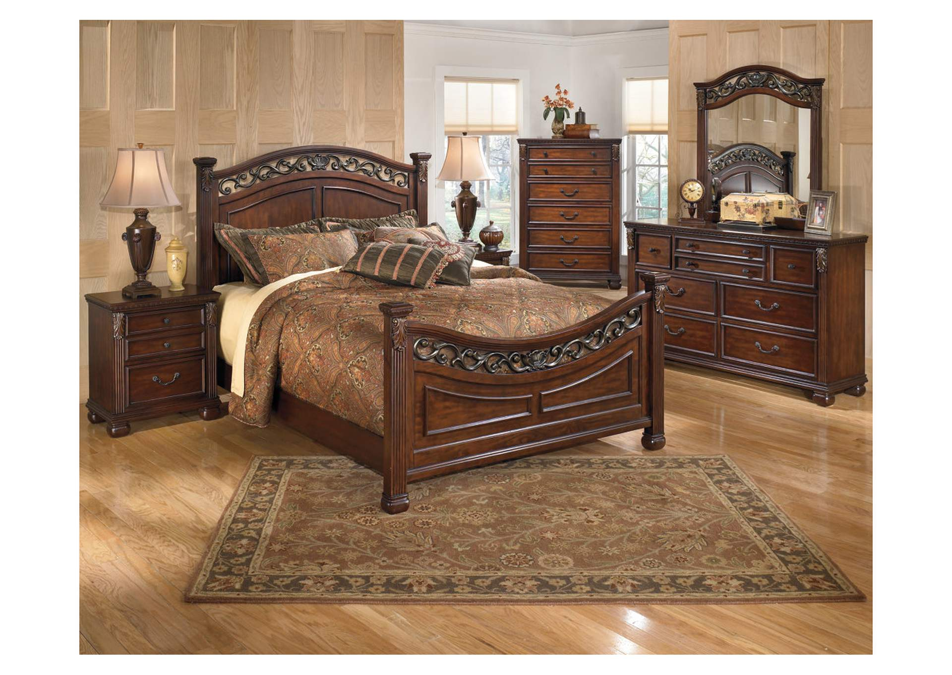 Leahlyn King Panel Bed w/Dresser, Mirror, Drawer Chest & Nightstand,Signature Design By Ashley