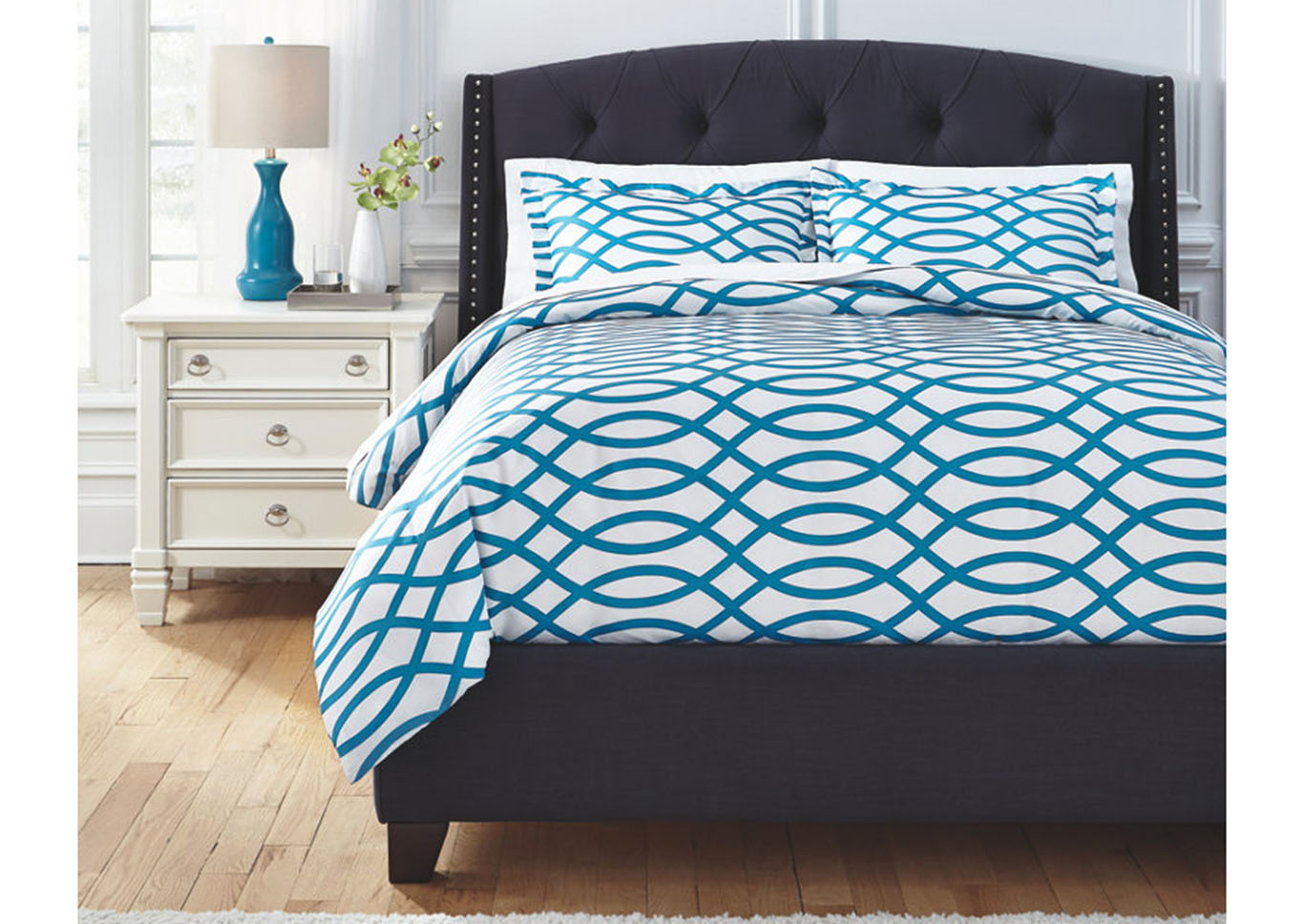 Leander Turquoise Queen Duvet Cover Set,Signature Design By Ashley