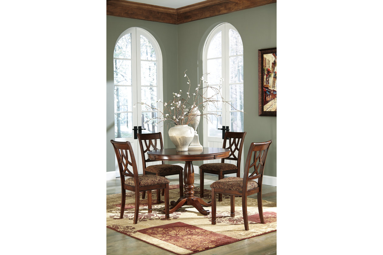Leahlyn Round Dining Table w/ 4 Side Chairs