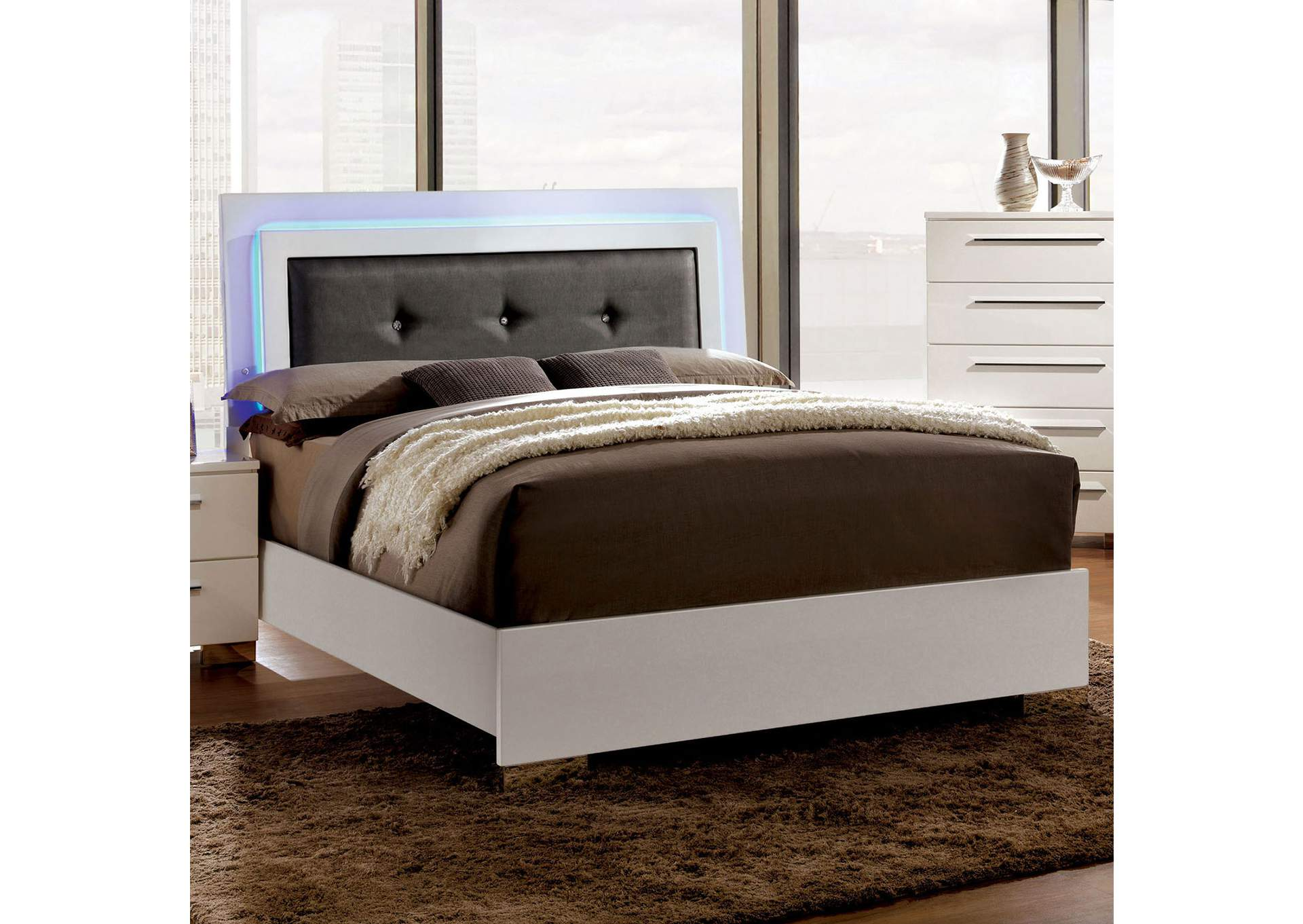 Furniture ville bronx ny white lacquer clementine for Furniture of america king bed