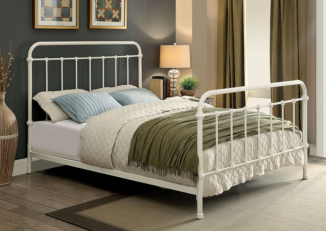 251176 Iria Vintage White California King Platform Bed