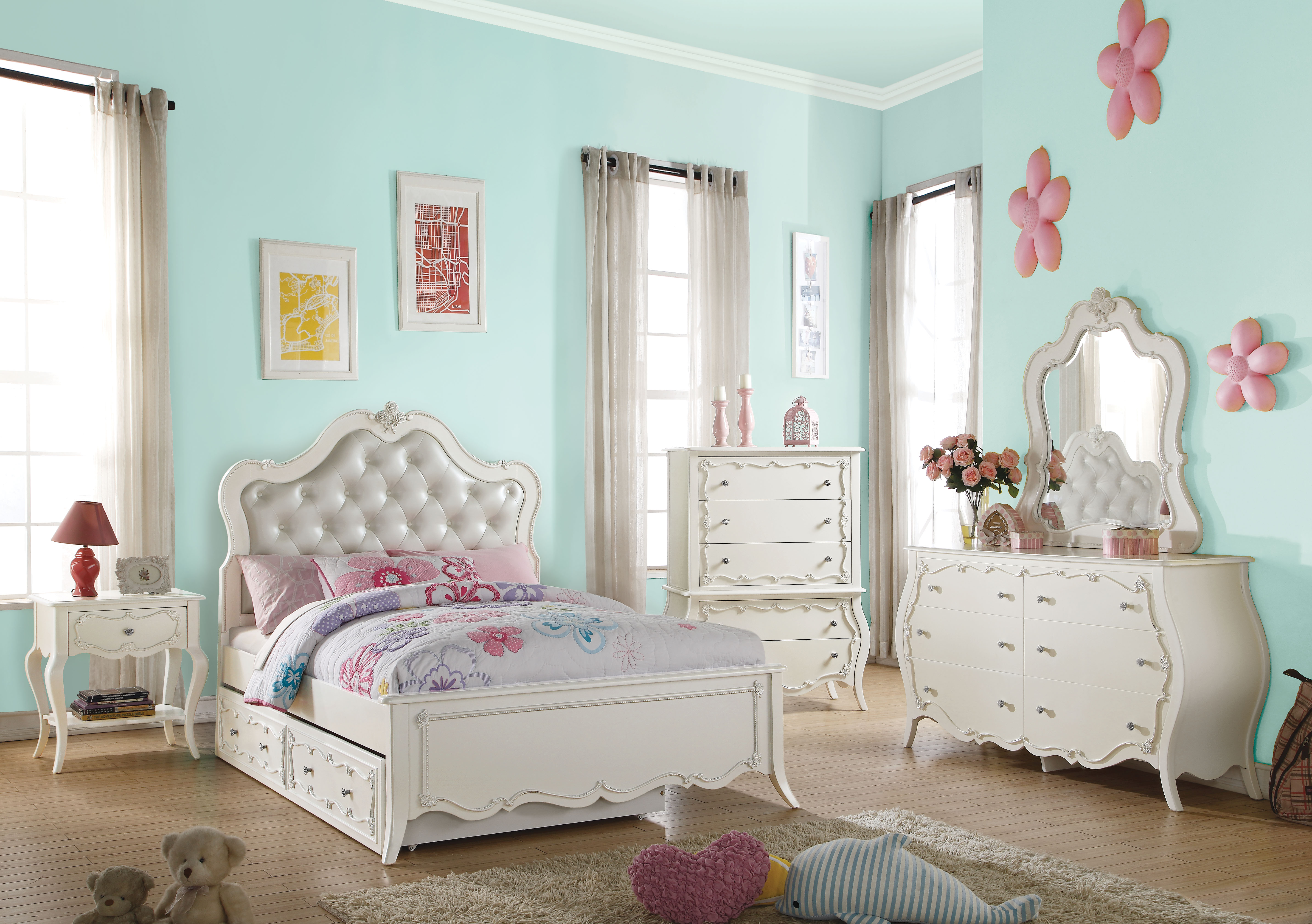 Royal Furniture Gifts Edalene Pearl White Twin Bed Wtrundle