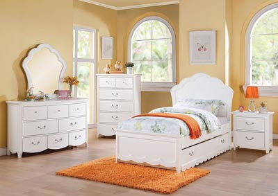 Cecilie White Full Panel Bed Set w/Trundle