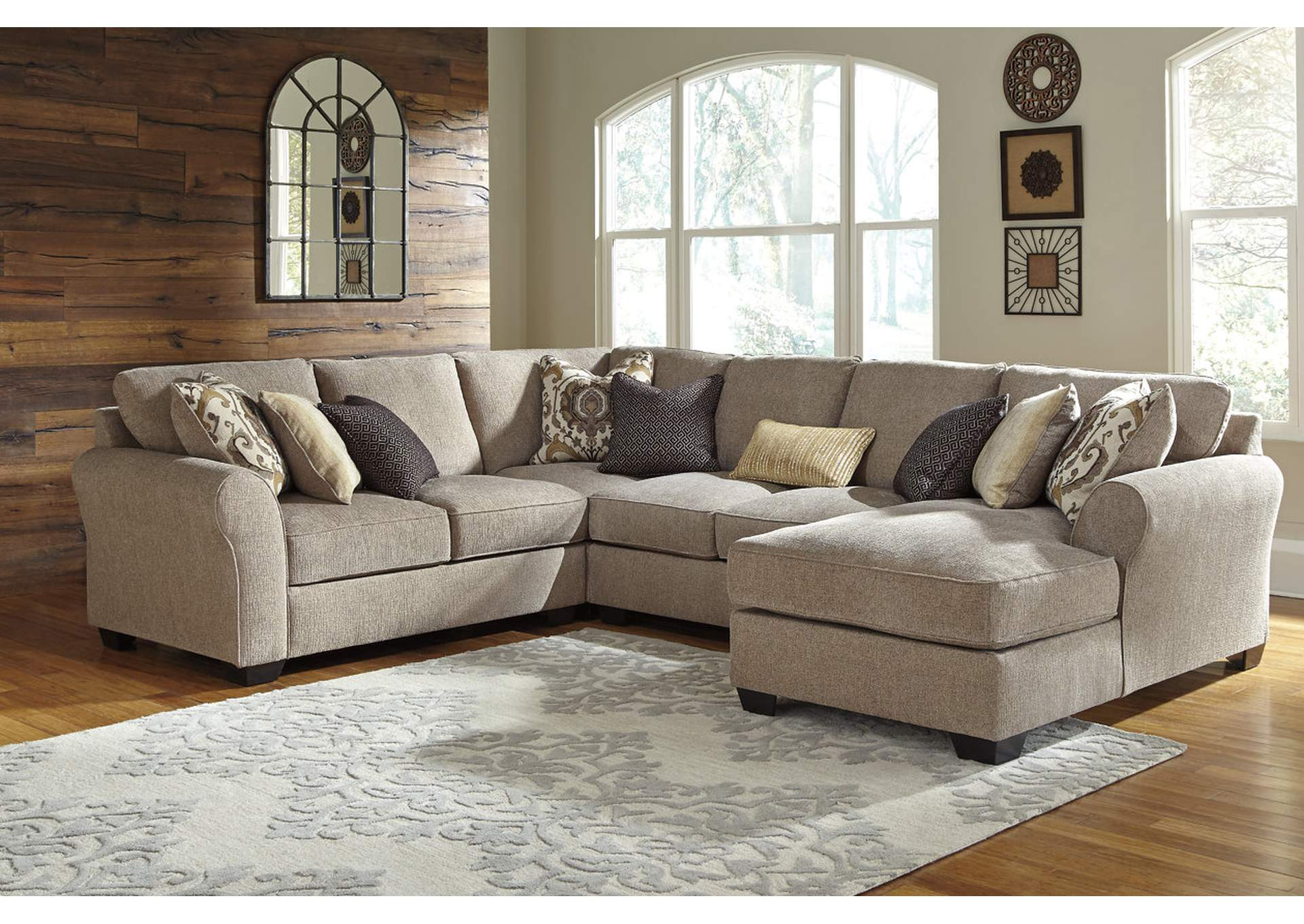Pantomine Driftwood 4 Piece RAF Chaise Sectional,Benchcraft