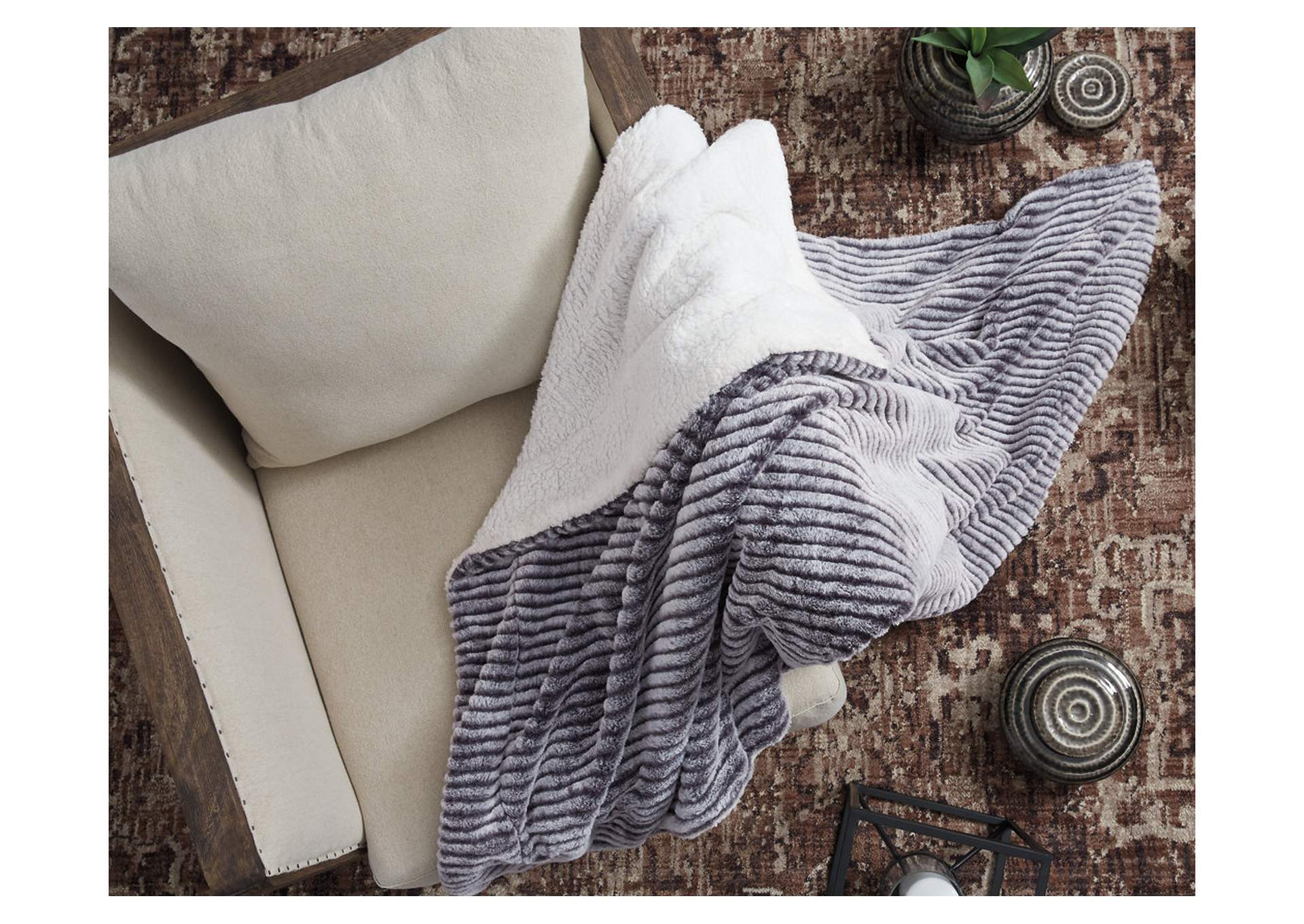 Metea Gray Throw (Set of 3),Signature Design By Ashley