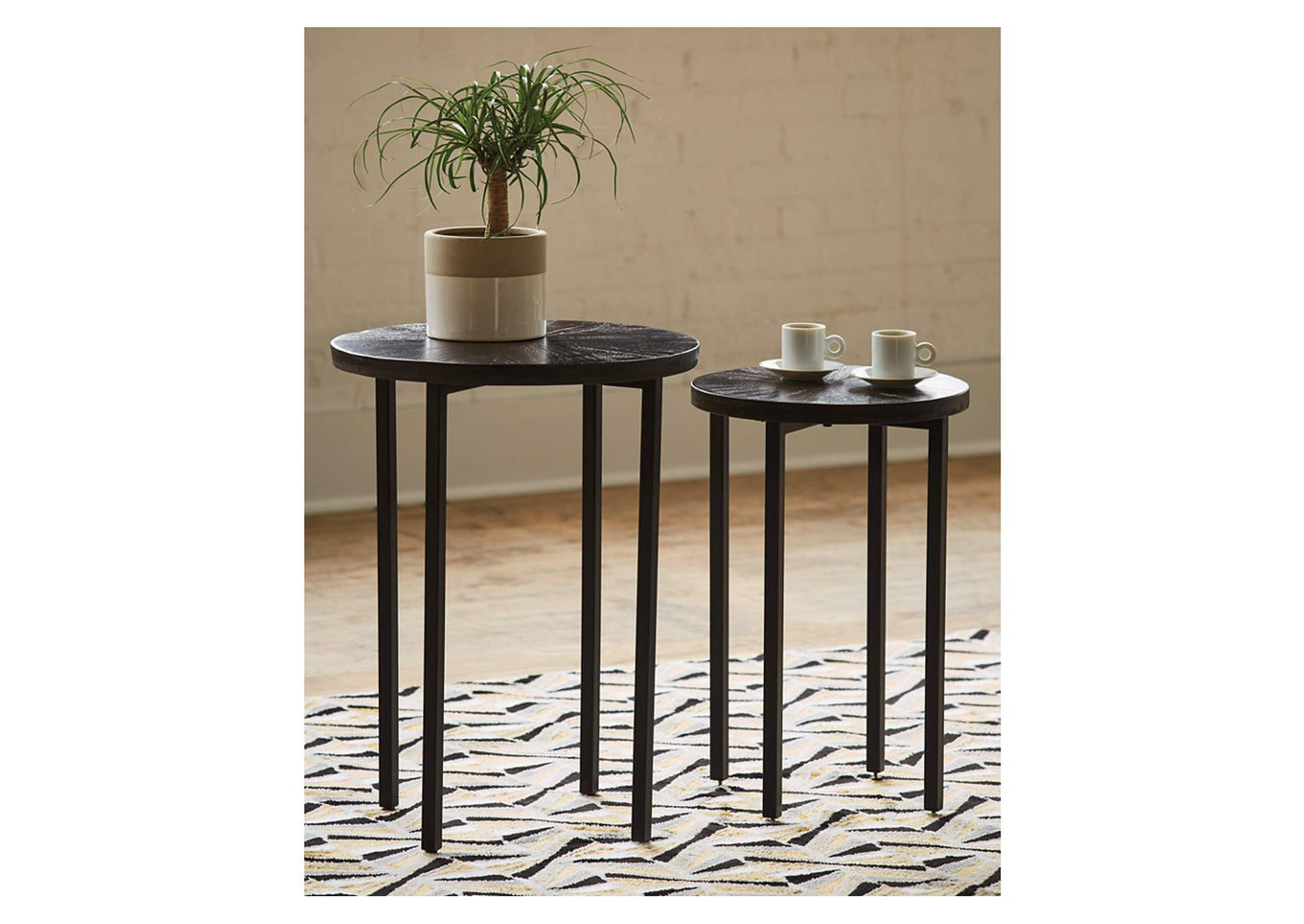 Esterdale Brown/Black Accent Table (Set of 2),Signature Design By Ashley