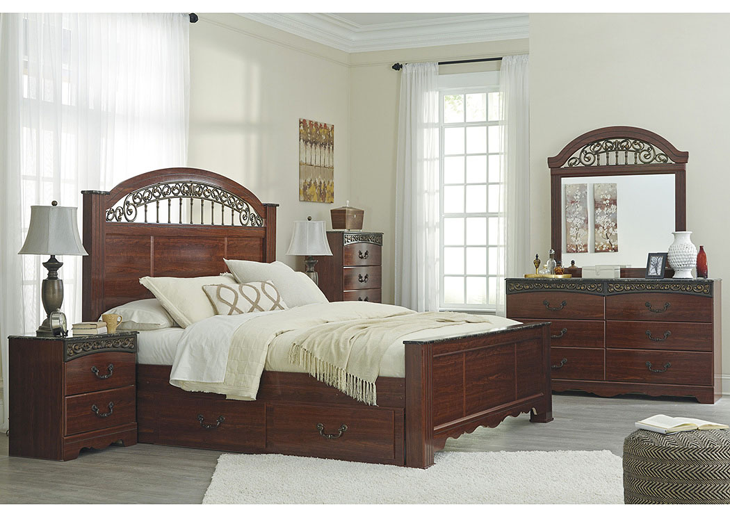Fairbrooks Estate Queen Poster Bed,Signature Design By Ashley