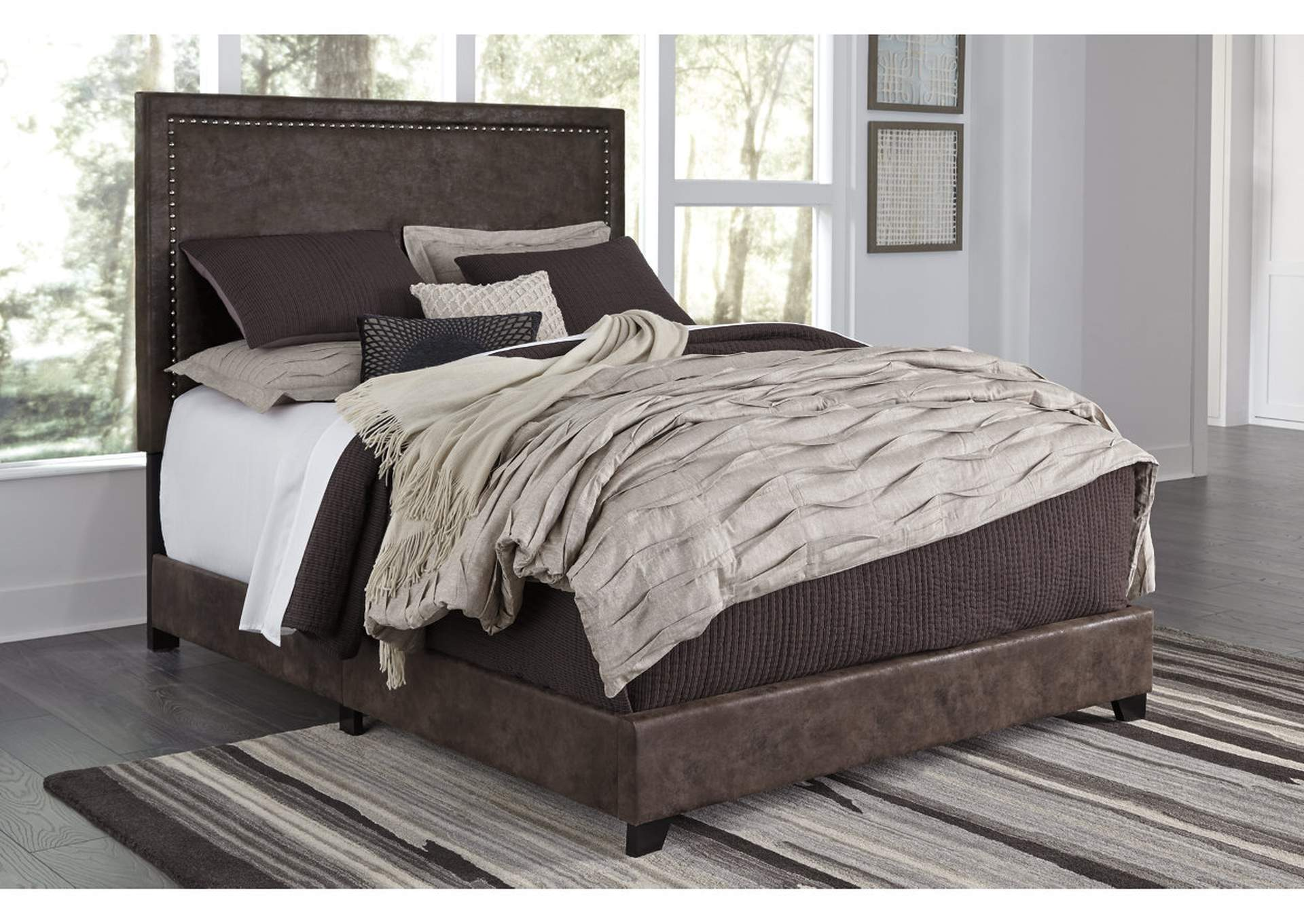 Dolante Brown Queen Upholstered Bed,Signature Design By Ashley