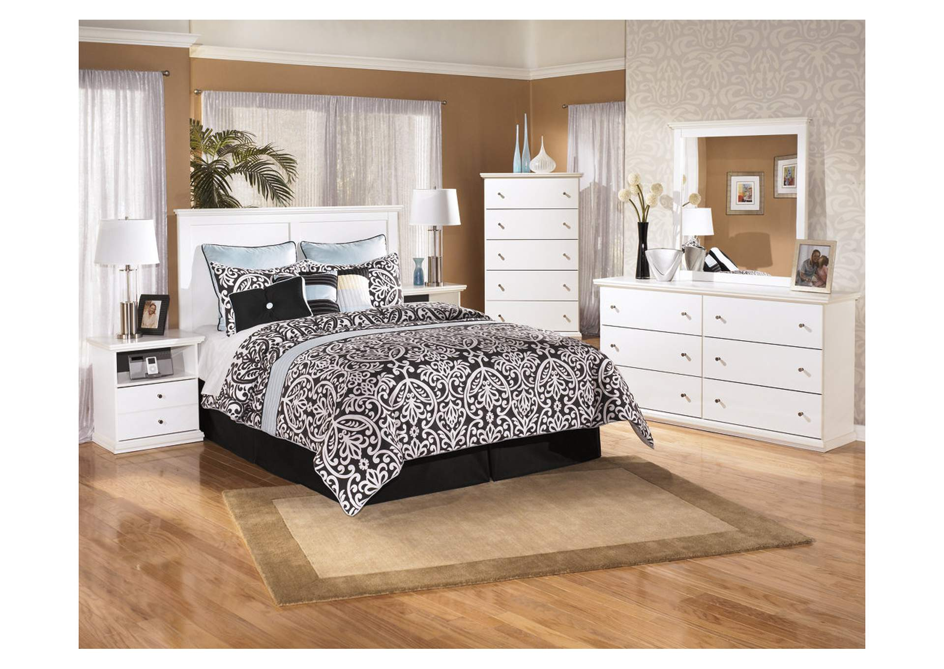 Bostwick Shoals White Queen/Full Panel Headboard w/Dresser, Mirror, Drawer Chest & Nightstand,Signature Design By Ashley