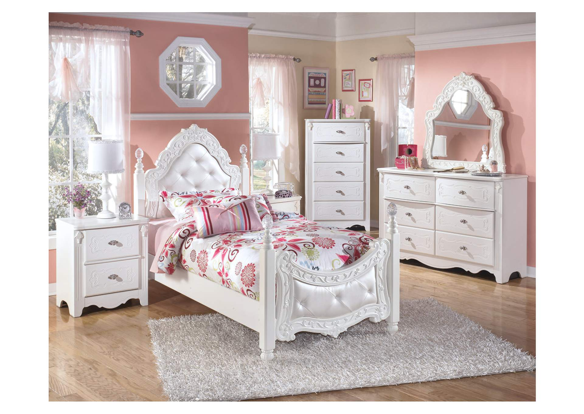 Exquisite Twin Poster Bed w/Dresser, Mirror, Drawer Chest & Nightstand,Signature Design By Ashley