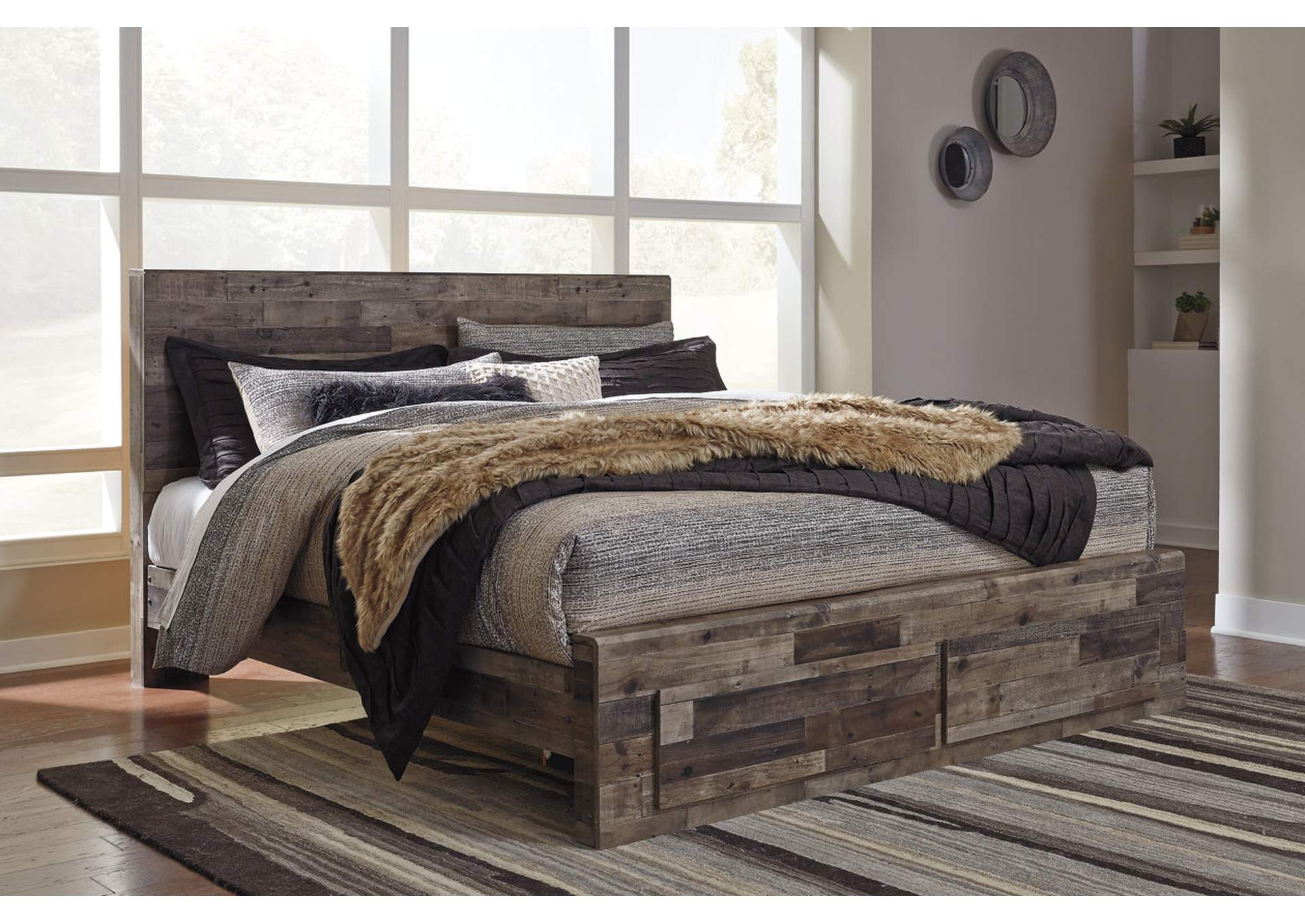Derekson King Platform Bed,Benchcraft