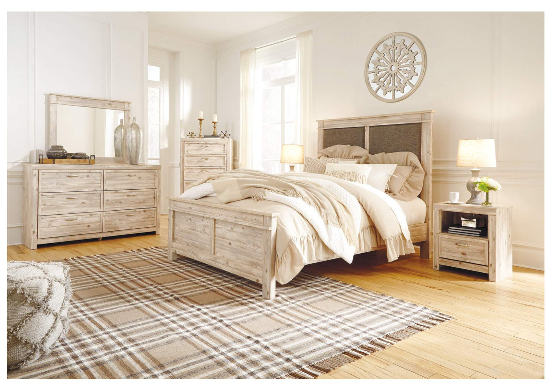 Willabry Weathered Beige Upholstered Queen Panel Bed w/Dresser & Mirror,Signature Design By Ashley