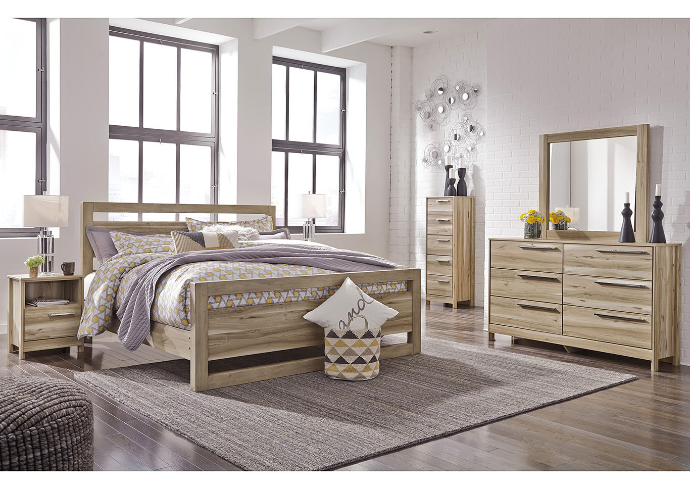 Kianni Taupe Queen Panel Bed w/Dresser and Mirror,Benchcraft