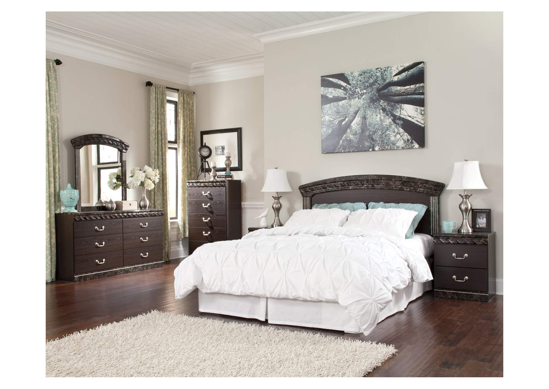Vachel Queen/Full Panel Headboard w/Dresser & Mirror,Signature Design By Ashley