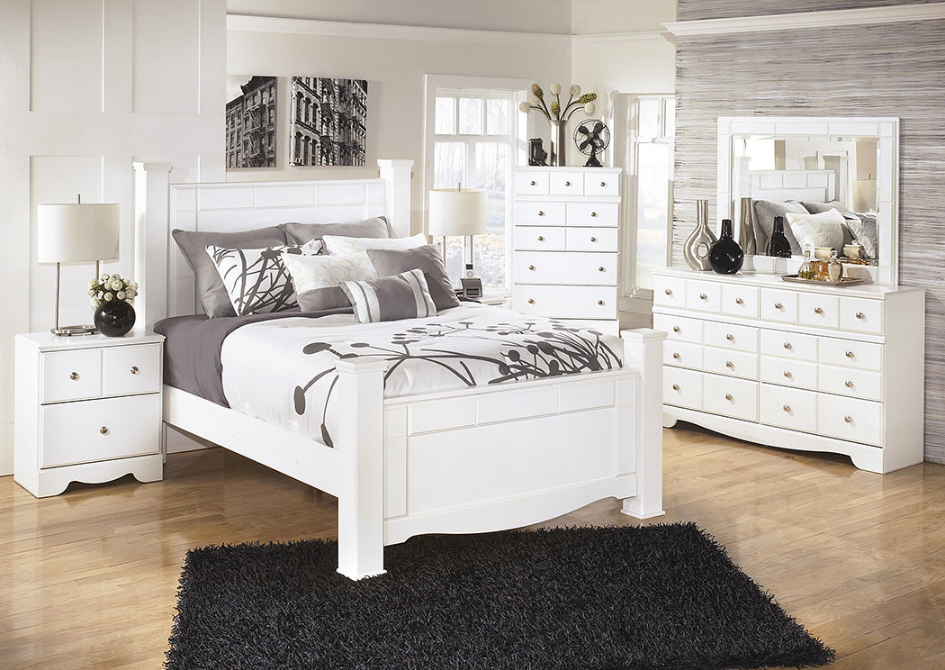 Weeki Queen Poster Bed w/Dresser, Mirror, Drawer Chest & Nightstand,Signature Design By Ashley