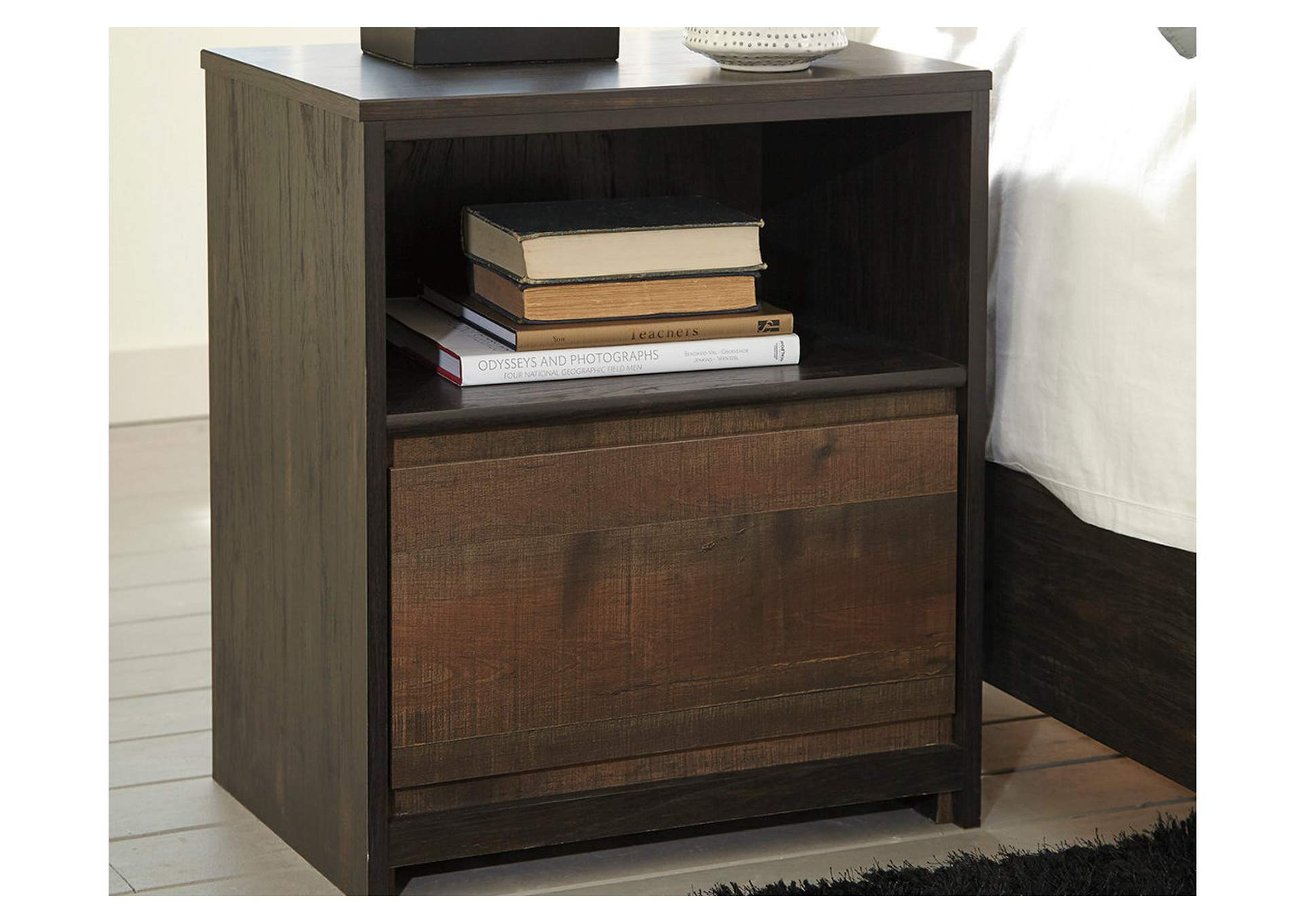 Windlore Dark Brown One Drawer Night Stand,Signature Design By Ashley