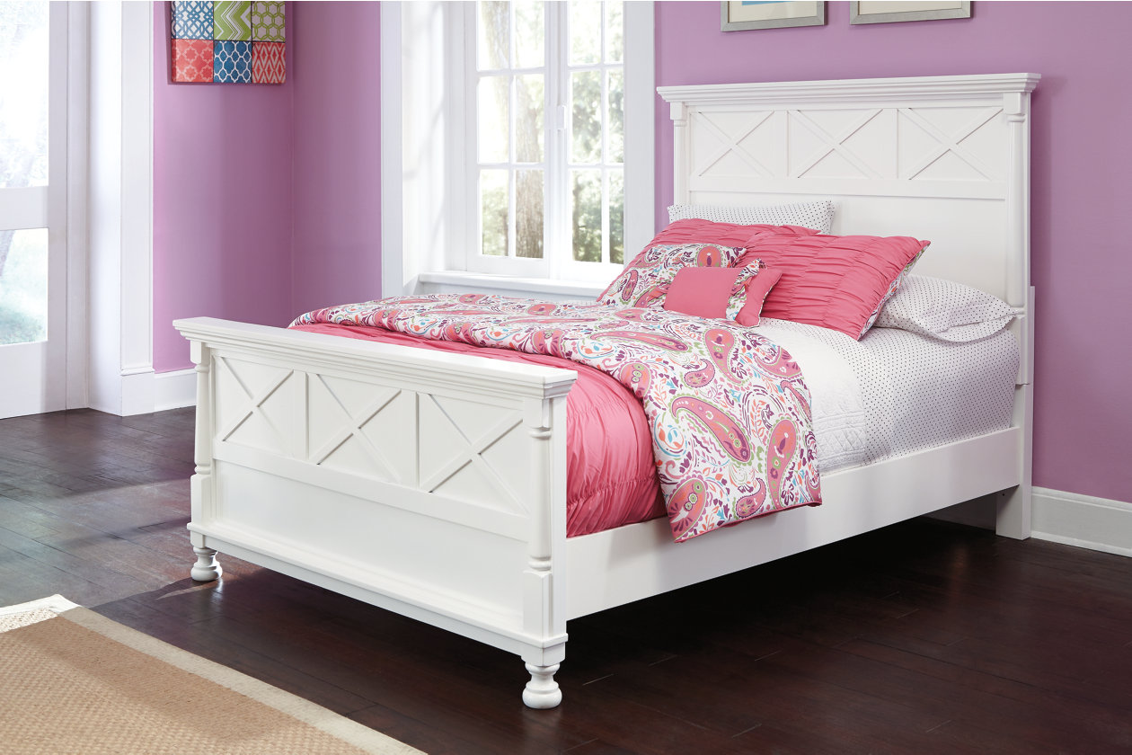 Kaslyn Queen Panel Bed,Signature Design By Ashley