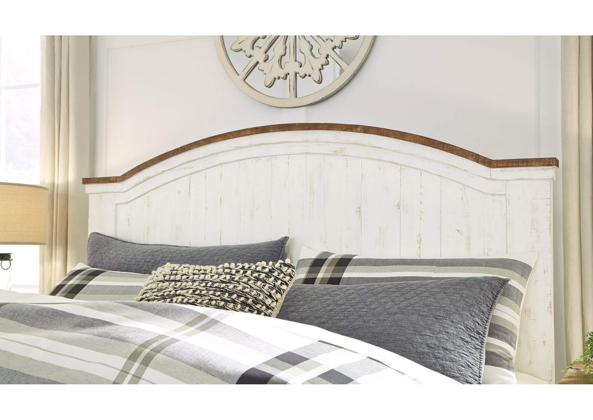Wystfield White King Panel Bed,Signature Design By Ashley