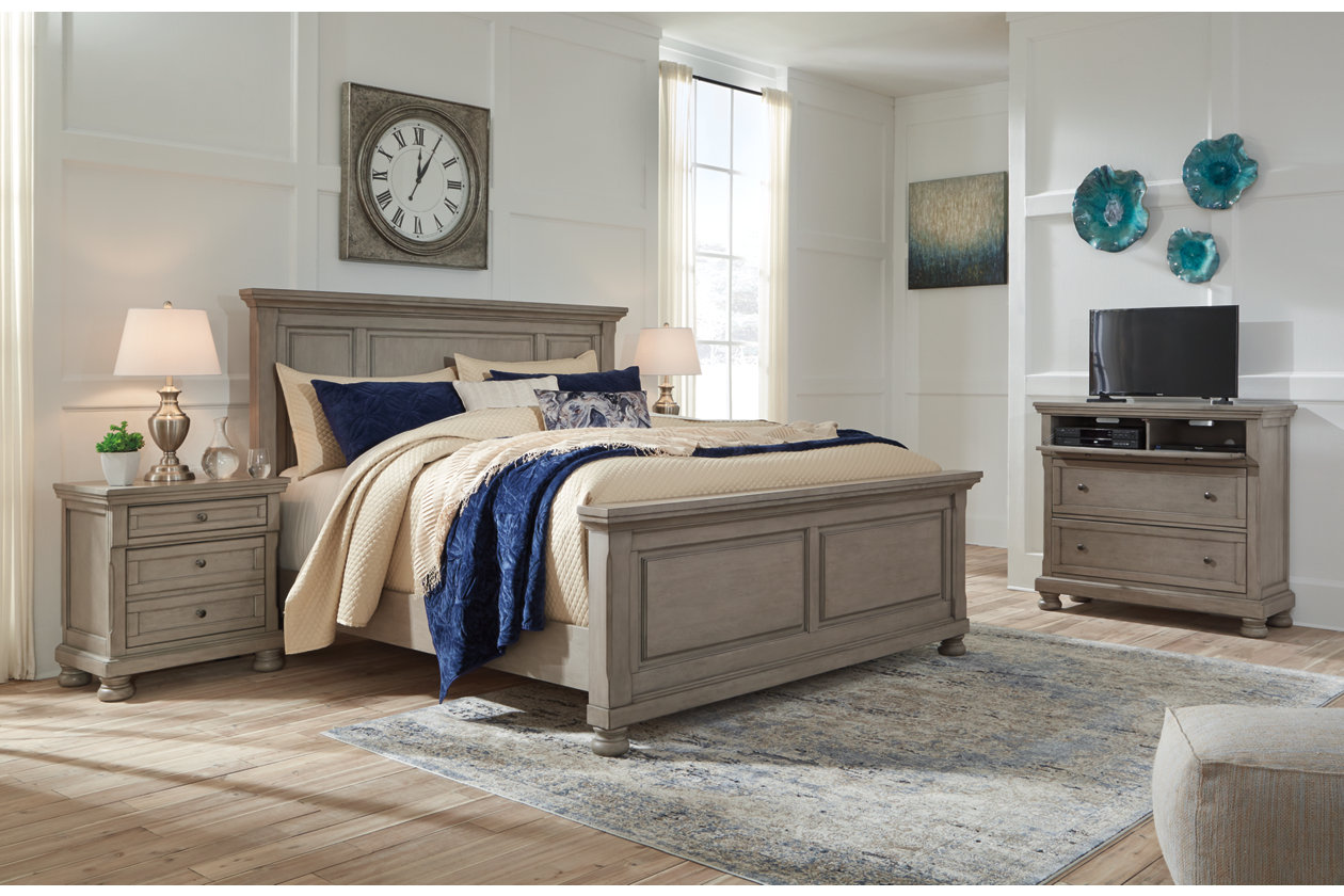 Lettner Light Gray California King Panel Bed w/Dresser and Mirror,Signature Design By Ashley