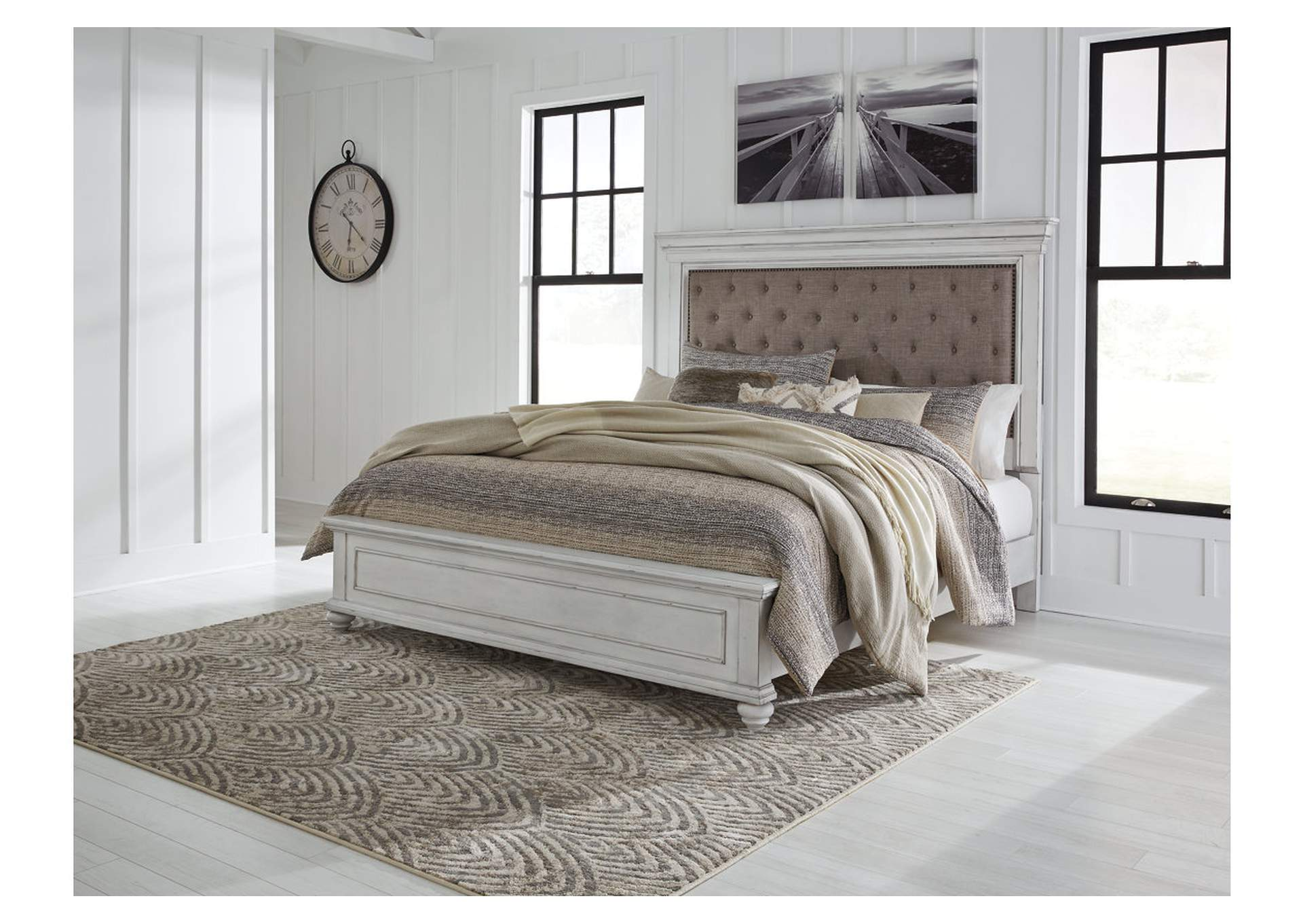 Kanwyn Whitewash King Upholstered Panel Bed,Benchcraft