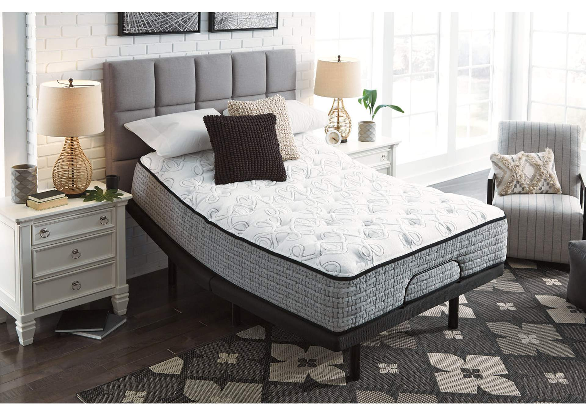 Mt. Rogers Ltd Plush Queen Mattress,Sierra Sleep by Ashley
