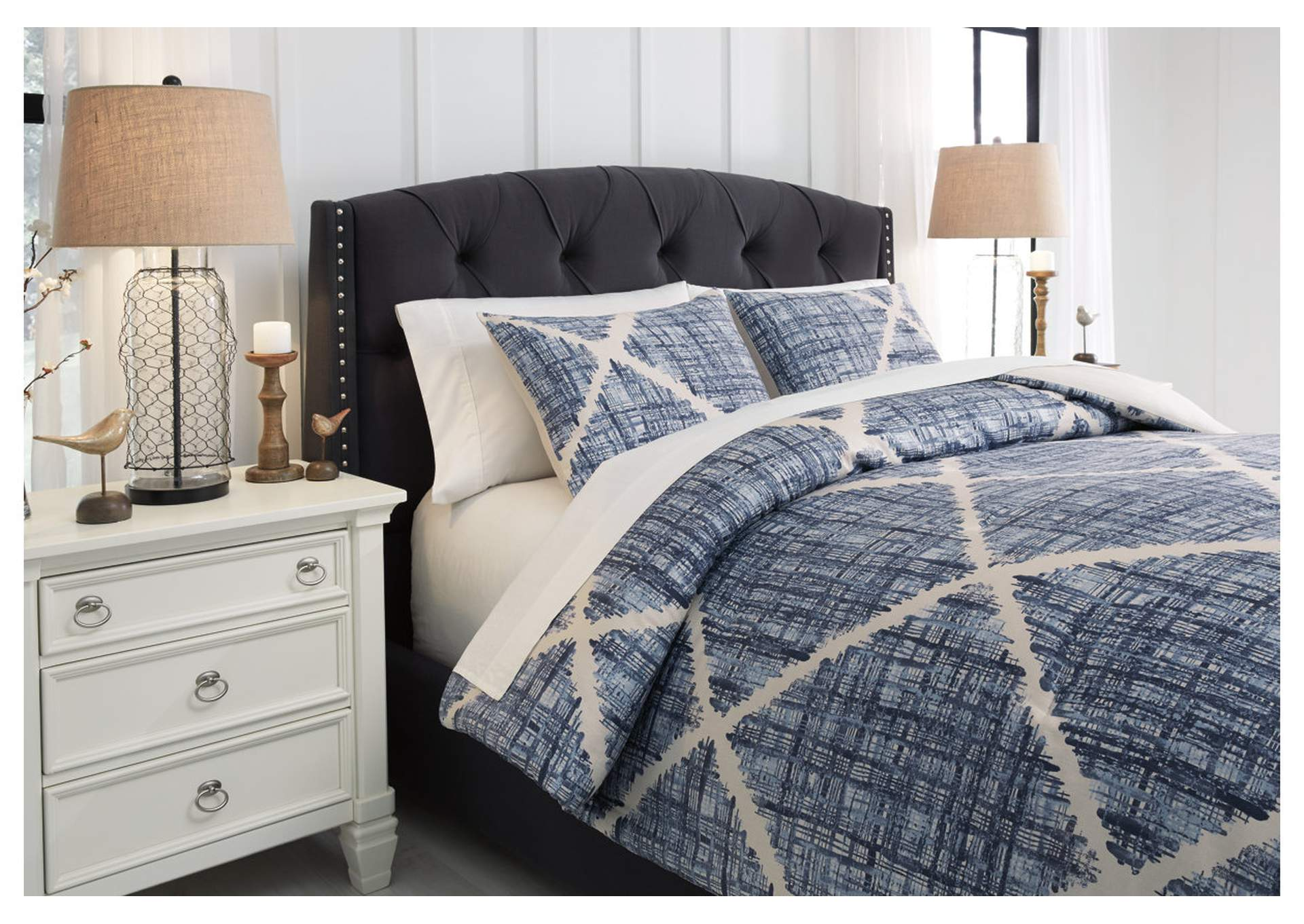 Sladen Blue /Cream King Comforter Set,Signature Design By Ashley