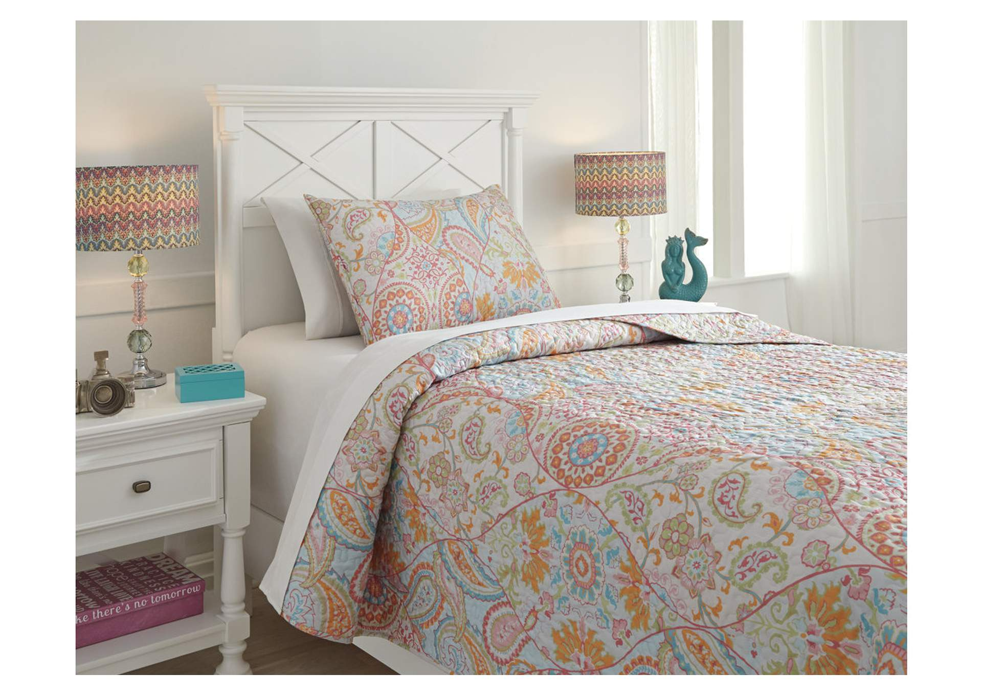 Jessamine Pink/Orange Twin Coverlet Set,Signature Design By Ashley