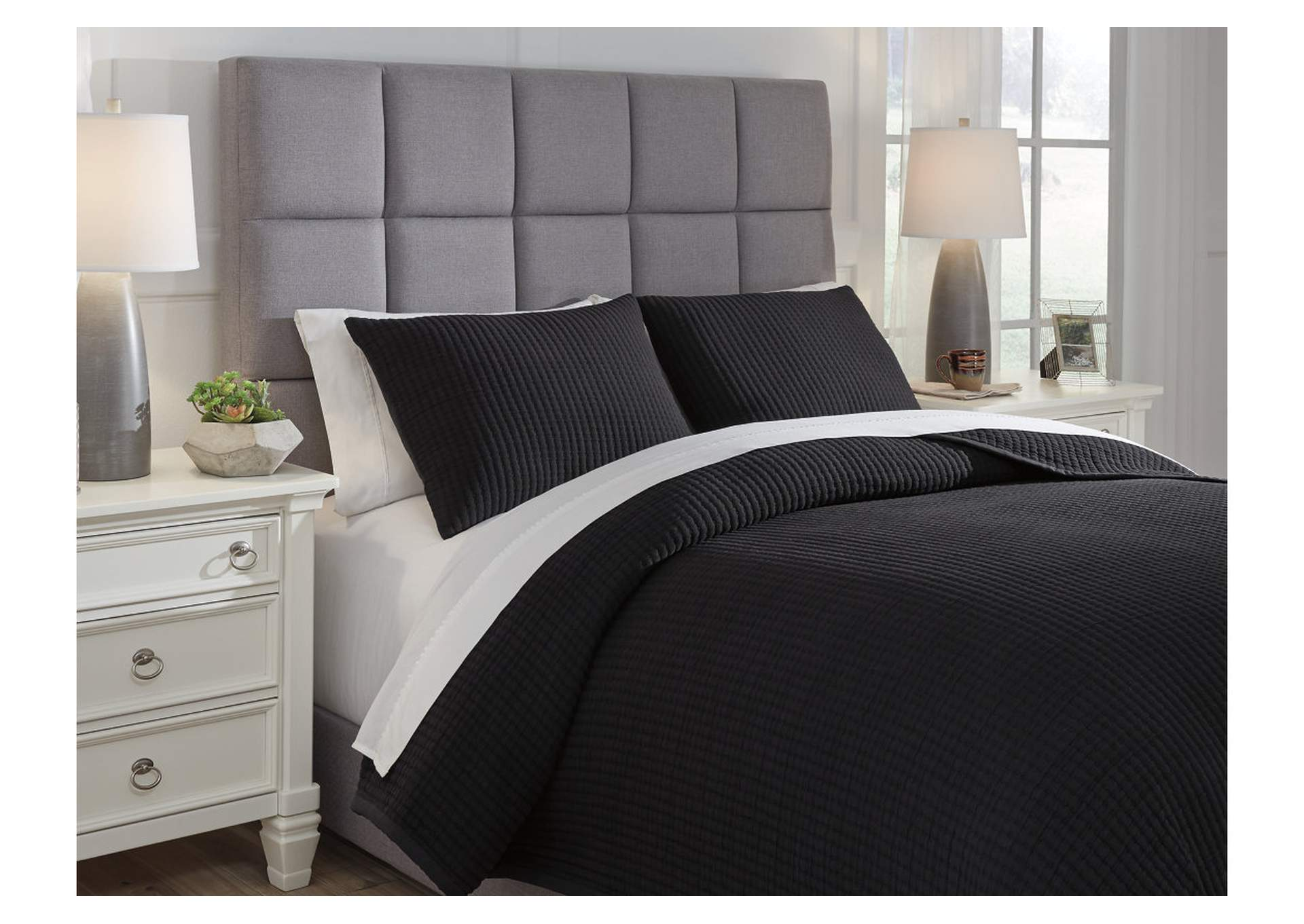 Thornam Black 3-Piece Queen Coverlet Set,Signature Design By Ashley