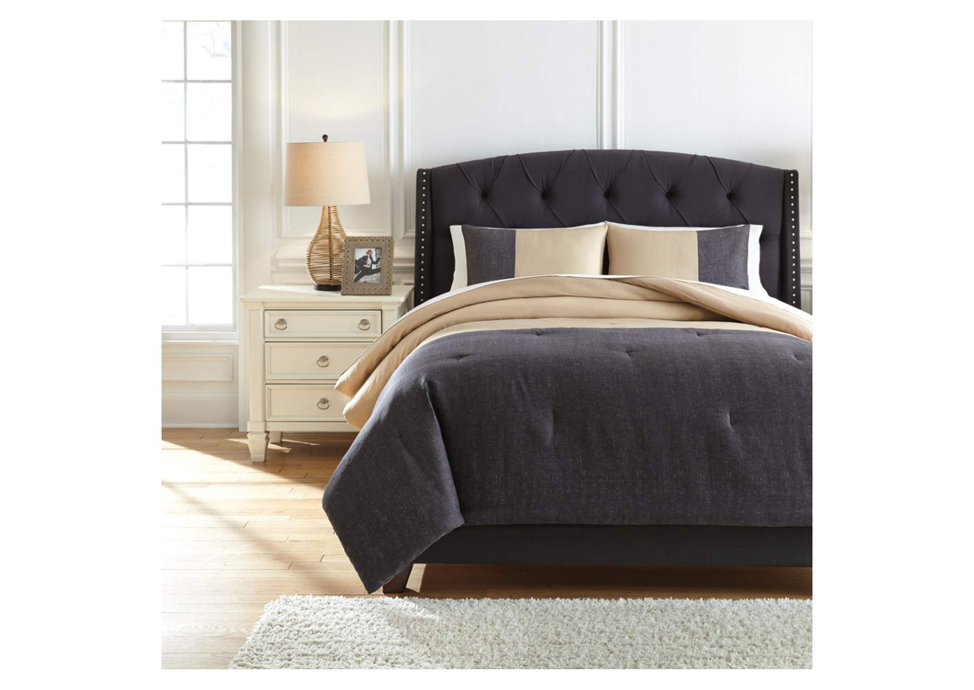 Medi Charcoal/Sand King Comforter Set,Signature Design By Ashley