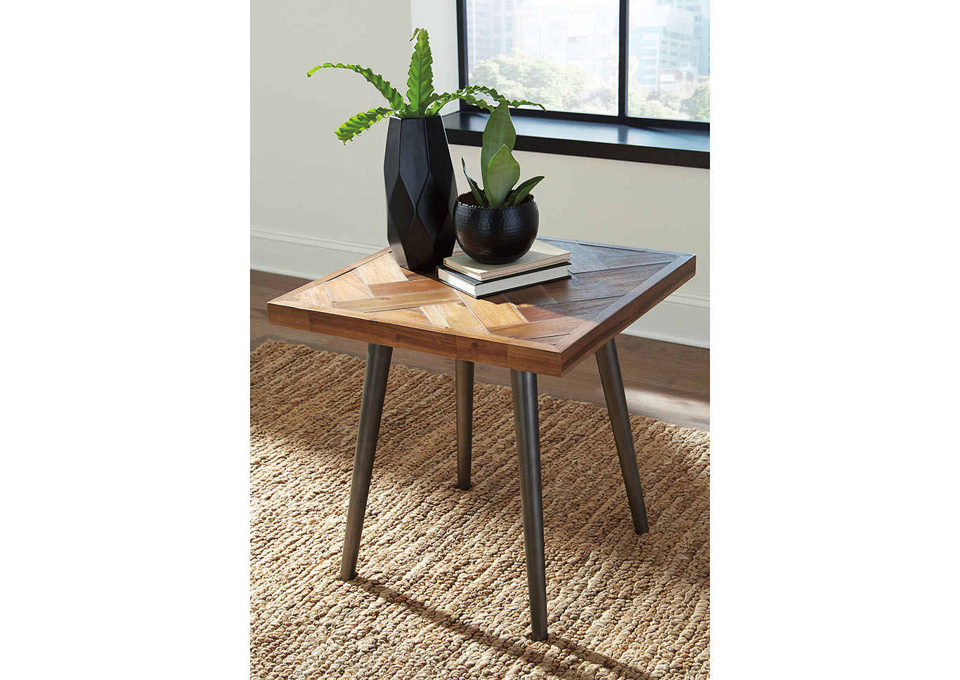 Vantori Light Brown End Table,Signature Design By Ashley