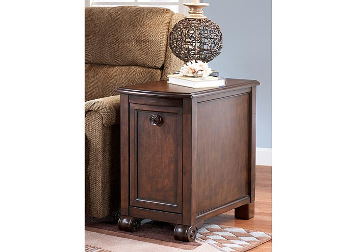 Charmant Brookfield Chairside End Table,Signature Design By Ashley