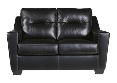 Kensbridge Black Loveseat