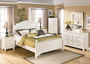 Cottage Retreat Queen Poster Bed w/Dresser, Mirror, Drawer Chest & Nightstand