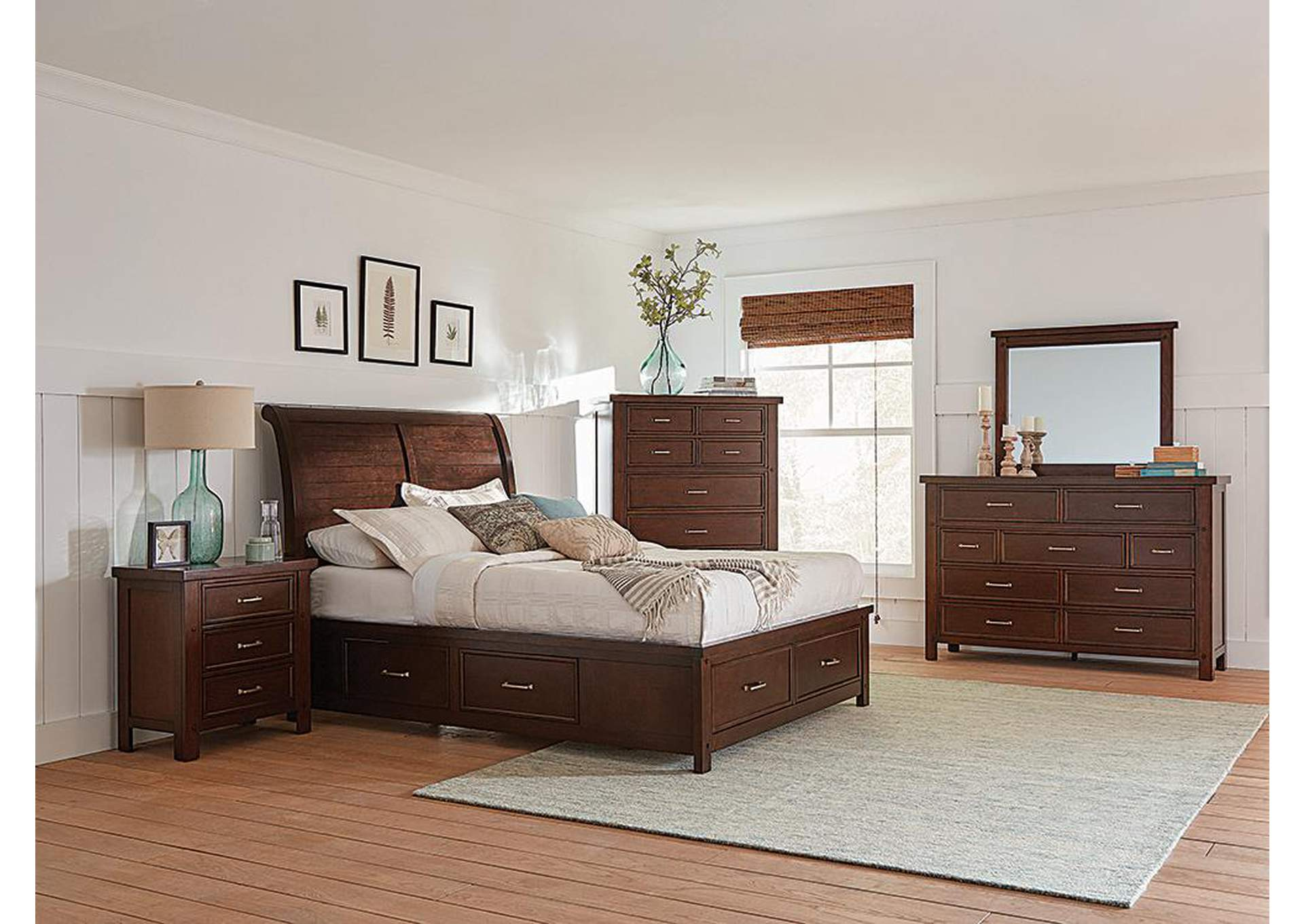 Cedar Queen Bed,Coaster Furniture