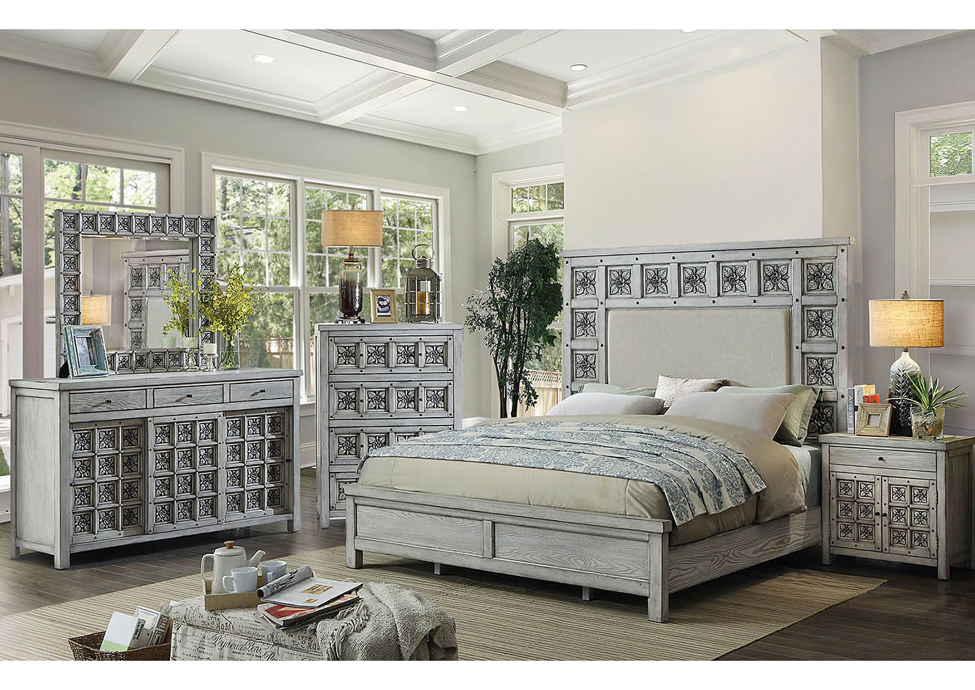 Patnaleon Queen Bed,Furniture of America