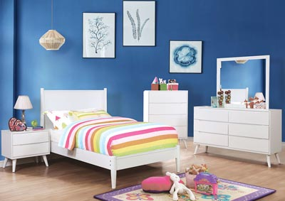 Image for Lennart II White Dresser w/Mirror