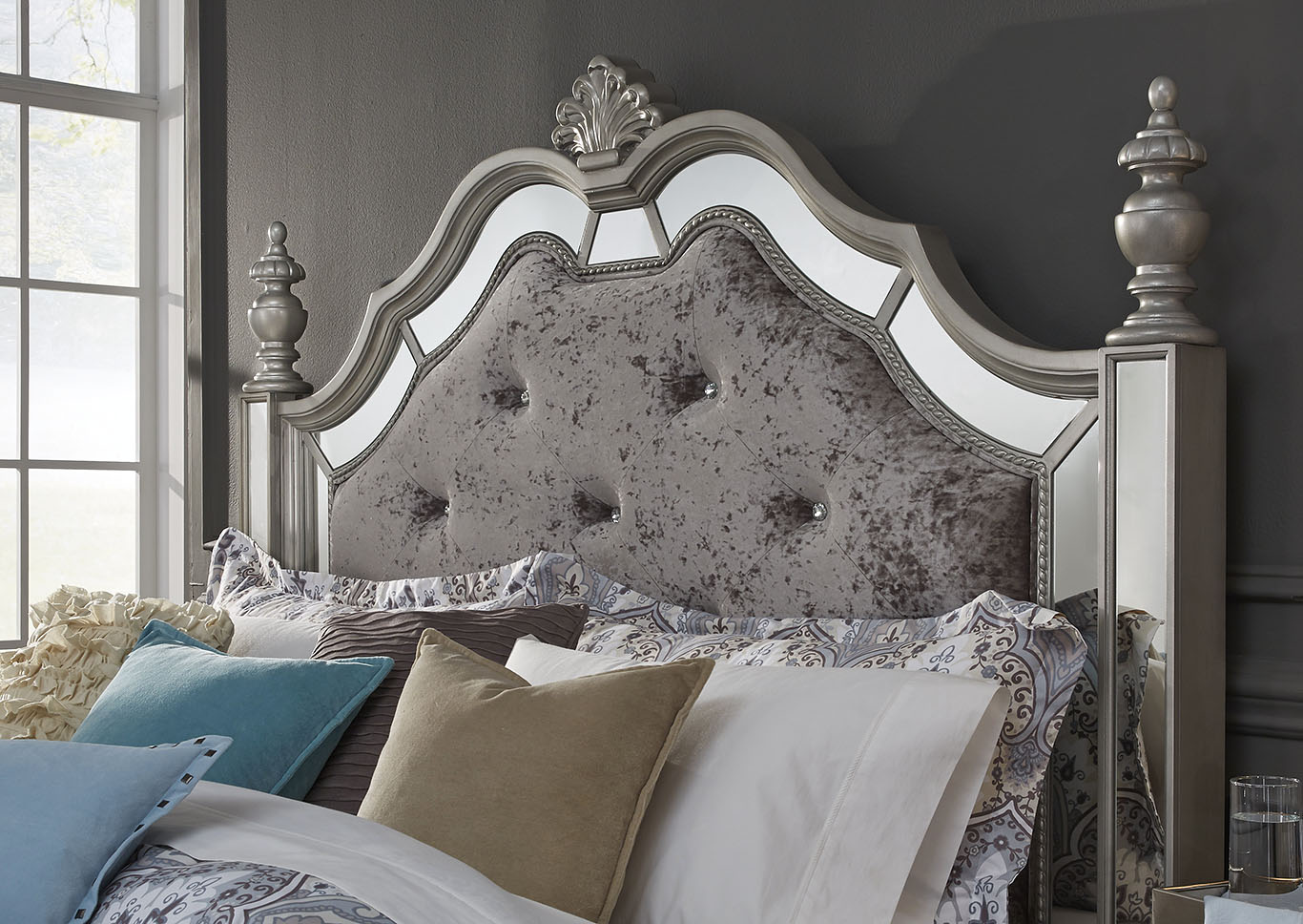 Home Furnishings Depot - NY Diana Silver Queen Poster Bed