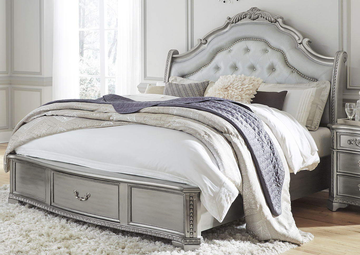 Juliet Silver King Bed,Global Furniture USA