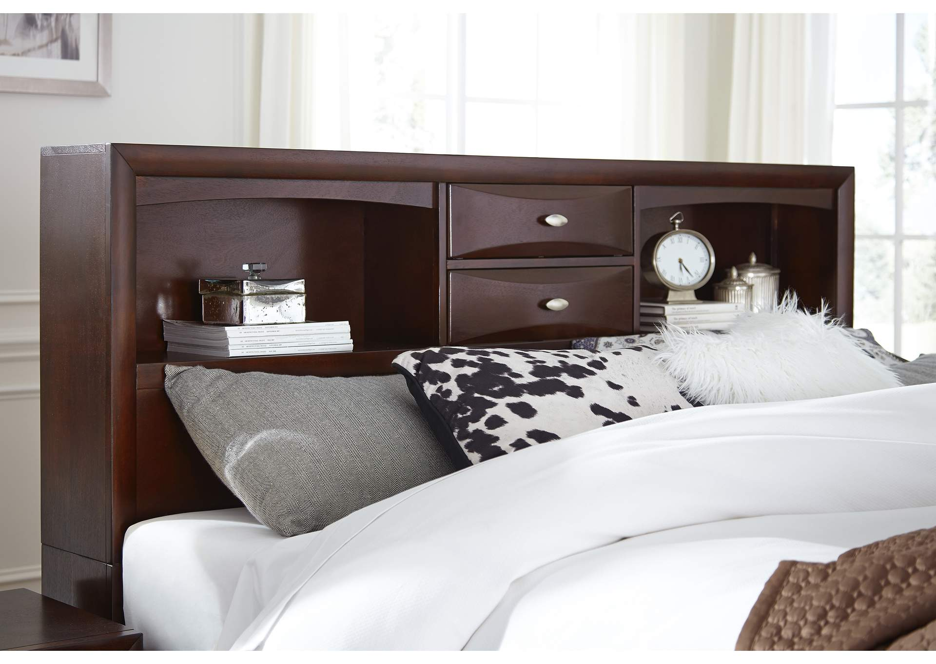 Linda Merlot Queen Storage Bed,Global Furniture USA