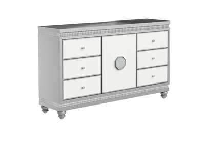Kylie Dresser,Global Furniture USA