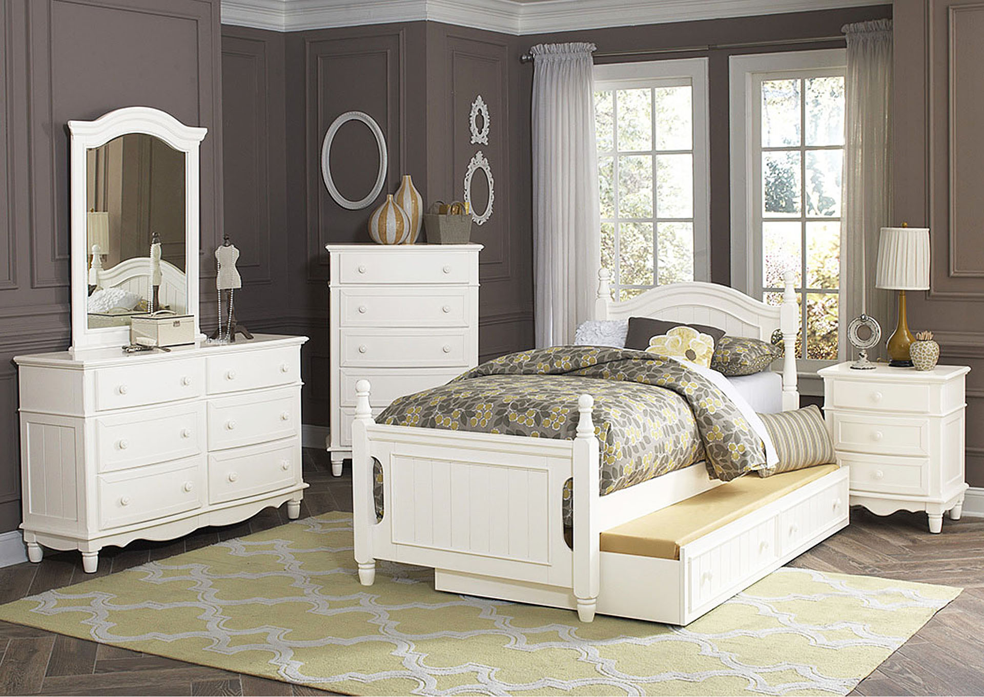 Clementine White Full Bed w/Trundle,Homelegance