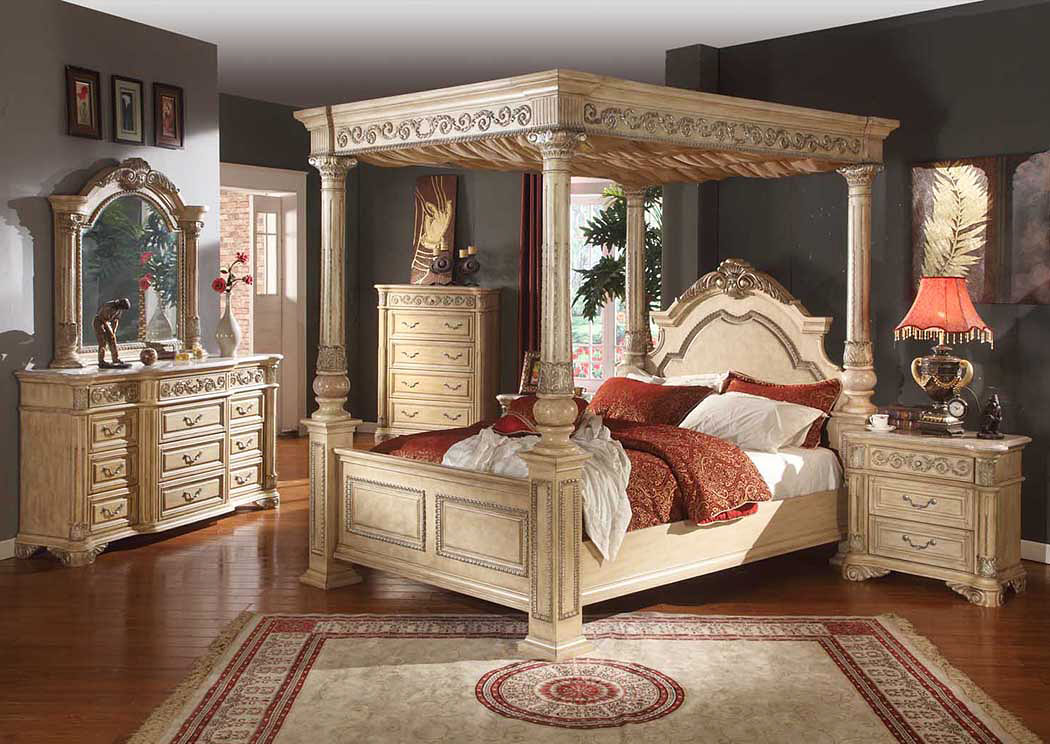 Sienna King Canopy Bed,Meridian Furniture